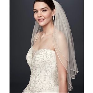 Two tier sparkling rhinestone edged mid veil.